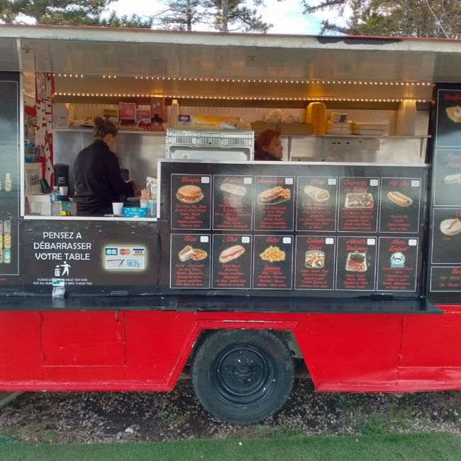 Camion foodtruck Mon'Snack (83)